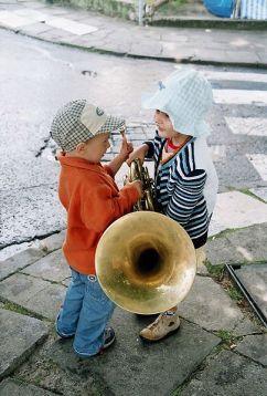 Barn ska få pröva, våga och skapa. Bild från Wikimedia, ABX.