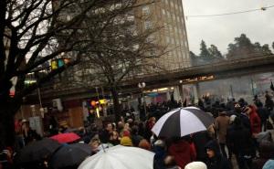 Den antirasistiska demonstrationen i Kärrtorp avbröts av nynazister. Foto: Jesper Svensson, jespersvensson.blogspot.se