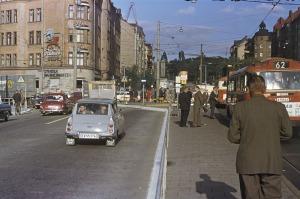 Fridhemsplan sett mot öster, med Fridhemsgatan och kvarteret Väktaren till vänster, som det såg ut 1964. Foto Håkan Johnson, från stockholmskallan.se