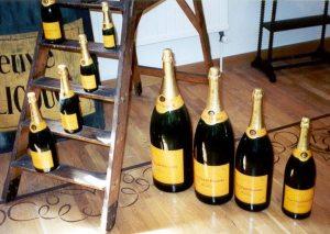 SKATTEBAS. Champagne och annat vin blir dyrare när alkoholskatten höjs.