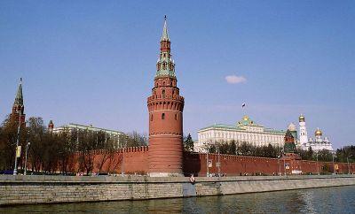 PR-MEDVETNA? Pengarna är viktigare än anseendet i Rysslands relationer till väst. Kreml, Moskva. Foto Yeowatzup på Flickr via Wikimedia.