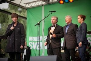 OTYDLIGARE. Inför valet 2010 var det rödgröna alternativet tydligare än nu. Men precis som Mona Sahlin kommer Stefan Löfven att få problem till vänster.