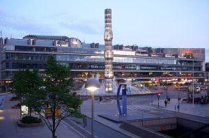 NU ÄNNU ÖPPNARE. I hörnet till vänster, på plan 4, har 850 kvadratmeter Kulturhus gått från kontor till publik utställningsyta. Foto: Holger.Ellgaard/Wikimedia.