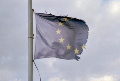 eu-flagbroken_0 (1)