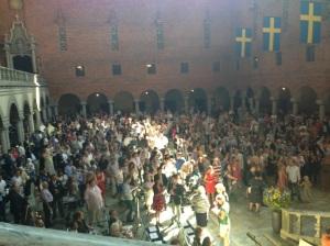 FLER SVENSKAR. Medborgarskapsceremoni i Stadshuset 6 juni 2013. Jag var också där, och delade ut medborgarskapsbevis. Foto har jag lånat av Anna-Karin Åstedt hos M i Stockholm.