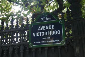 FÖREBILD. I Paris får man veta vem Victor Hugo var.