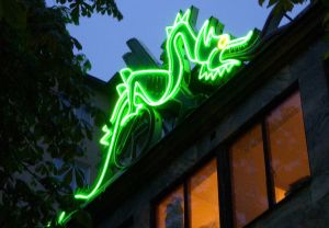 GAMMALT BIO-LÄGE. Biograf Draken vid Fridhemsplan stängde i maj 1996.